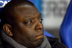 Arsenal & Manchester United Balls: Wise Garth Crooks' Puts His Champagne On Ice