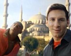 Lionel Messi and Kobe Bryant in selfie shootout for Turkish Airlines