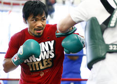 Manny Pacquiao's Team Calls for Floyd Mayweather Super Fight